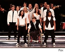 glee_fox_cast_performing