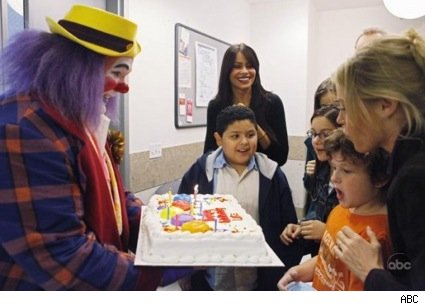 modern_family_fizzbo_clown_cake