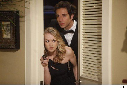Chuck_Sarah_NBC_2010_tuxedo