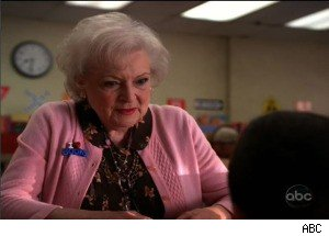 Betty White Gets Pissed Off on 'The Middle'