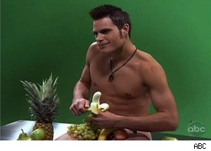 A Banana, a Half-Naked Dude, and Some Creepiness on 'True Beauty'