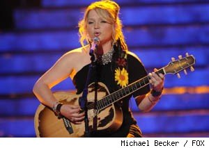 Crystal Bowersox signs a record deal with 19 Recordings/Jive Records