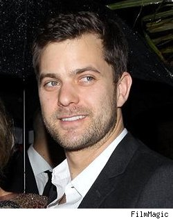 Joshua Jackson, Fringe