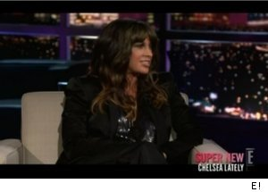 Alanis Morissette Talks 'Weeds' on 'Chelsea Lately'
