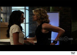 Kissing a Girl on 'Rizzoli &amp; Isles' - Is Angie Harmon's Character a Secret Lesbian?