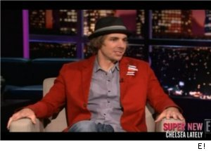 Dax Shepard Talks Fiancee Kristen Bell on 'Chelsea Lately'