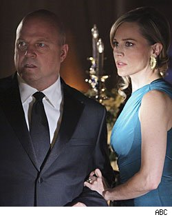 Michael Chiklis &amp; Julie Benz, No Odinary Family