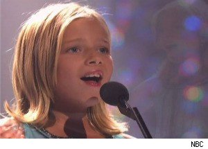 Jackie Evancho Returns to Amaze the Judges on 'America's Got Talent'