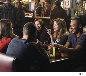 The Seattle Grace cast hangs out at Joes.