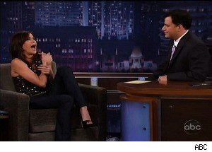 Teri Hatcher Hurts Her Shoulder on 'Jimmy Kimmel'