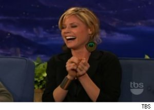 Julie Bowen Talks Twins on 'Conan'