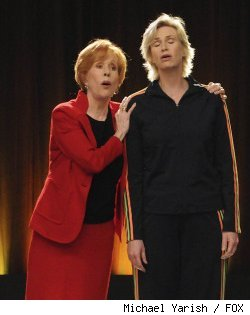 Carol Burnett and Jane Lynch in 'Glee' - 'Furt' on FO