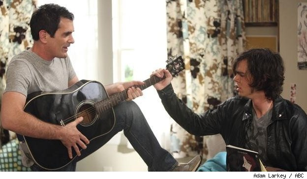 Phil tries to play his song to Dylan on 'Modern Family' - 'Mother Tucker' on ABC