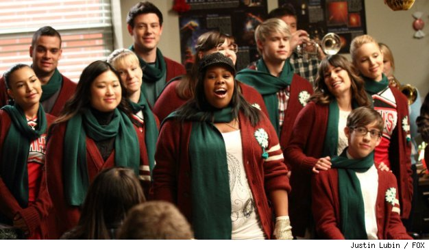 The kids sing Christmas songs to an ungrateful class in 'A Very Glee Christmas' on FOX