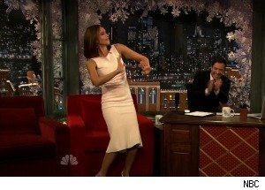 Jessica Alba Shows Off Her Dance Moves on 'Late Night'