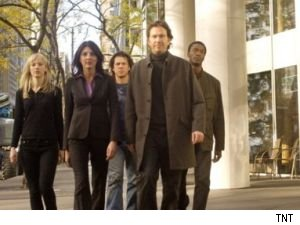 The 2-part season finale of 'Leverage' begins at 9PM on TNT.