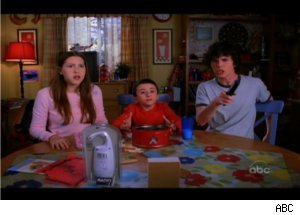 'The Middle' Family Talks Christmas Presents