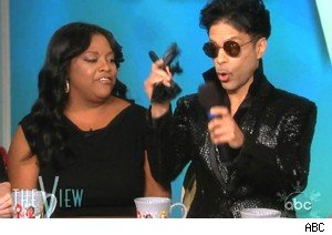 Prince makes a surprise appearance on 'The View'