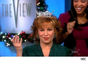 Joy Behar crowned by Miss America on 'The View'