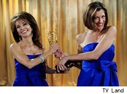 hot_in_cleveland_wendie_malick_susan_lucci_tv_land