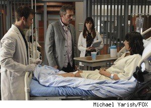 House (Hugh Laurie, second from L), Chase (Jesse Spencer, L) and Masters (Amber Tamblyn, second from R) treat a patient (guest star Tina Holmes, R) who seemingly has a perfect memory in the