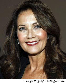 Lynda Carter: I Have a Lot of Confidence in David E. Kelley's 'Wonder Woman'