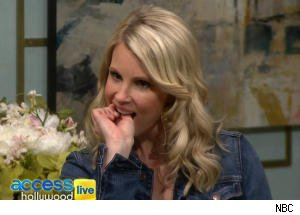 Monica Potter Yanks Out a Tooth on 'Access Hollywood Live'