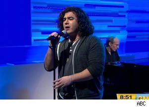 Chris Medina Performs New Single on 'GMA'