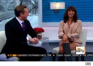 Tyra Banks Teaches Chris Wragge to 'Smeyes' on 'The Early Show'