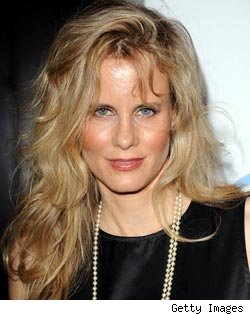 Lori Singer to Guest on 'Law &amp; Order: SVU'