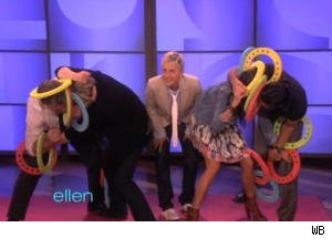 Chris Jericho and Mario Lopez Play Twister on 'Ellen'