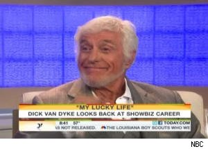 Dick Van Dyke Sings the Forgotten Lyrics to 'The Dick Van Dyke Show' Theme