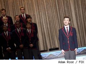 Kurt performs with the Warblers on 'Glee'