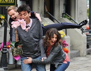 'HIMYM' - 'Challenge Accepted'
