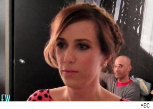Kristen Wiig Shows Fear During Encounter With Elisabeth Hasselbeck