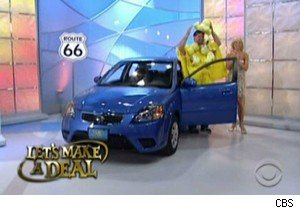 Carl tries to fit into a Kia Rio on 'Let's Make A Deal'