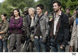 Reviews: Are 'Falling Skies' and 'Outcasts' Summer Sci-Fi Shows Worth Watching?