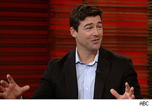 Kyle Chandler talks about Steven Spielberg and 'Super 8' on 'Live With Regis and Kelly'