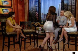 Kourtney and Khloe Kardashian on 'Live With Regis and Kelly'