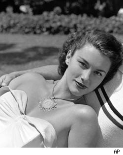 Linda Christian, TV's First Bond Girl, Dies at 87