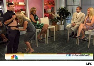 Kathie Lee Gifford kisses a crew member's wound on 'Today'