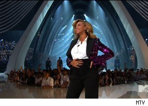 Beyonce pregnant, '2011 MTV Music Awards'