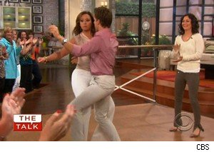 Leah Remini, Louis Van Amstel, and Sara Gilbert dance on 'The Talk'
