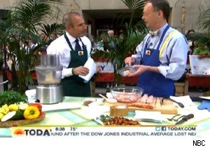 Matt Lauer and Chris Kimball make bacon paste on 'Today'