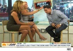 Hoda Kotb and Kathie Lee Gifford feel DJ Pauly D's hair on 'Today'