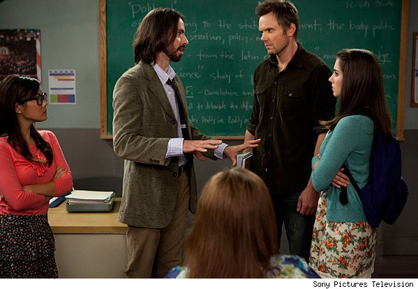 EXCLUSIVE 'Community' Season 3 Photos: Meet Asian Annie Professor Martin Starr