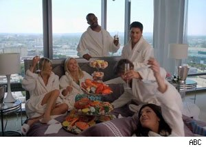 Happy Endings Season 2 Premiere