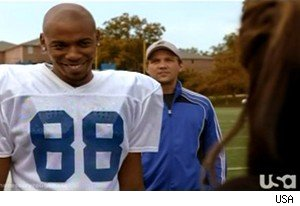 TK tries to woo a Sports Illustrated reporter on 'Necessary Roughness'