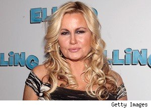 Jennifer Coolidge Joins 2 Broke Girls