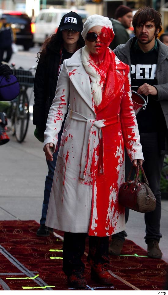 Tina Fey Covered in Paint Filming '30 Rock' in New York